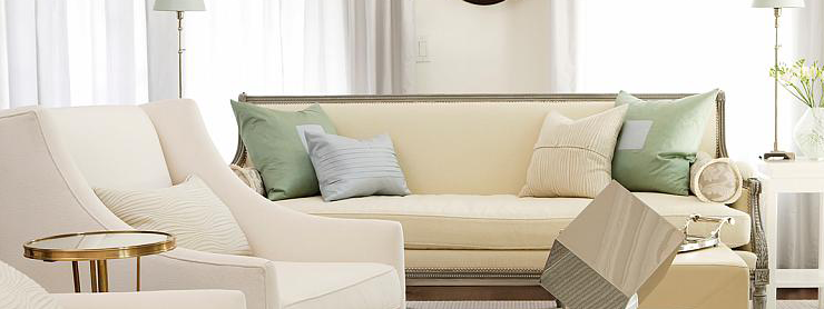 throw pillows at opposite corners of the couch - esoraeluxury blog